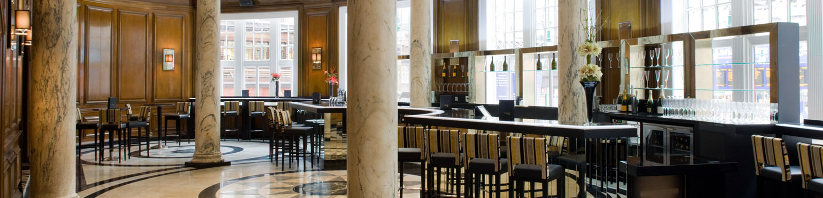 The Grand Central Hotel's cocktail bar